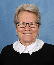 Mrs Leonie McNair Co-Principal English (9-12yr olds)